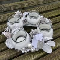Adventskranz aus Holz in Natur-Weiß-Silber mit Eule Bild 3