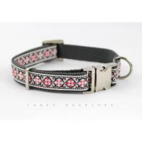 Hundehalsband, Hund, Muster, Hunde, Halsband, rot, schwarz, grau, nordisch, silber, blau, geometrisch, Norweger, modern, trendy Bild 1