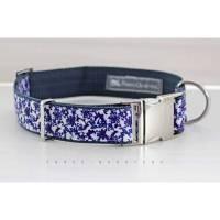 Hundehalsband, Hund, Halsband, dunkelblau, weiß, Ornamente, Blumen, silber, 30mm, blau, Welpe, edel, elegant, Blüten, Schnörkel, Blüten Bild 1