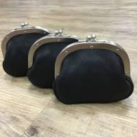 Schwarzer Ledergeldbeutel leather clutch Bild 1