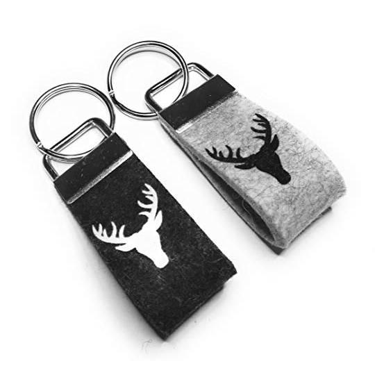 Schlüsselanhänger Hirschkopf Front Wollfilz personalisiertes Geschenk mini klein kurz Bild 1