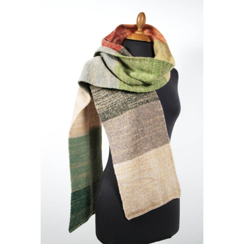 Unisex Schal aus Wolle, bunter Winterschal aus Kuschelwolle Bild 1