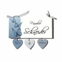 Türschild Holz Familie personalisiert Holzschild handbemalt Haustürschild individuell Schmetterlinge Bild 1