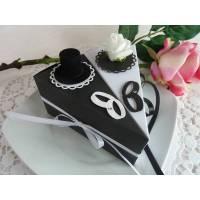 2 Tortenstücke in Schwarz/weiß für Geldgeschenk/Gastgeschenk mit Zylinder und Röschen zur Hochzeit Bild 1