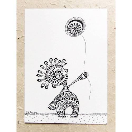 schwarz-weiß Zeichnung, Ornament-Monster mit Luftballon