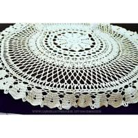 Vintage wollweiße runde gehäkelte Tischdecke, 80 cm Durchmesser, handgehäkelte Decke, Unikat Bild 1