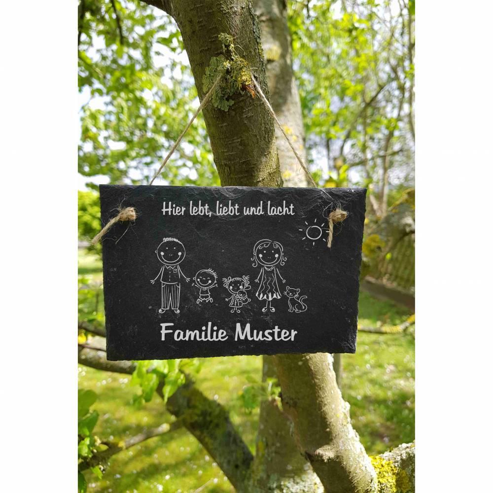Hier lebt, liebt und lacht  Familie Name Schiefertafel Schild Namensschild Schiefer Haustürschild Bild 1