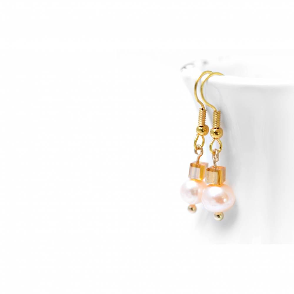 Perlenohrringe Goldene Perle . Süsswasserperlen mit Glaswürfeln . Hängeohrringe Braut . Vintage Hochzeit Bild 1