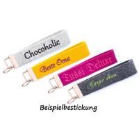 Schlüsselanhänger bestickt Wunschtext Wollfilz personalisiert Farbauswahl