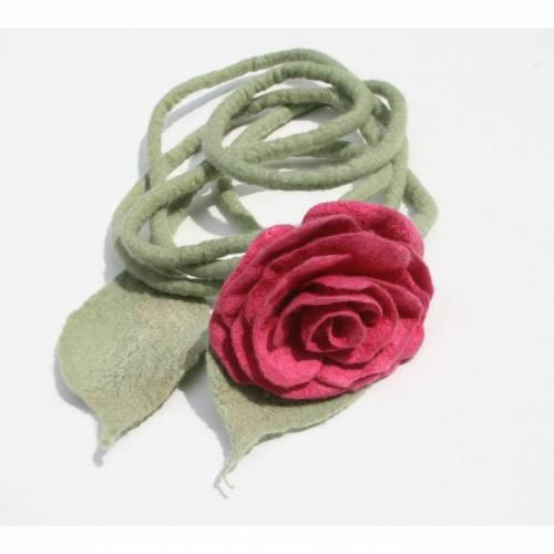 Rosenranke handgefilzt aus feinster Wolle und Seide